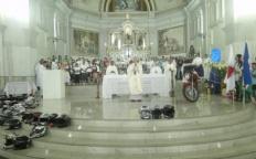 Milhares de fiéis celebram Nossa Senhora Aparecida na Catedral