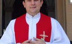 Padre Pierre se despede da Catedral