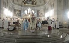 Fiéis celebram Natal na Catedral