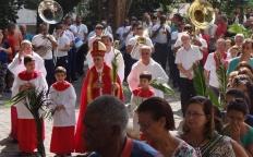Celebração de Ramos reúne centenas de pessoas no Centro de Juiz de Fora
