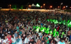 """Milhares de pessoas participam do evento """"Quero Deus - Não deixe que te roubem a esperança!"""""""