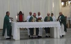 Dom Gil preside missa em ação de graças pelo Dia do Padre, na Catedral