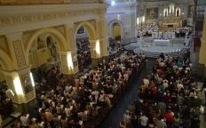 Ressurreição de Cristo é anunciada durante Vigília Pascal
