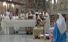 Fiéis celebram o Natal na Catedral